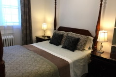 Toronto-High-Park-Bed-and-Breakfast-Oak-01